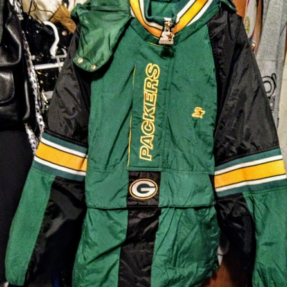 new arrival a3ff7 407fd EUC GreenBay Packers pullover jacket
